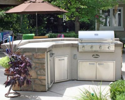 Housewarmings Outdoor turnkey outdoor kitchen island with grill and appliance