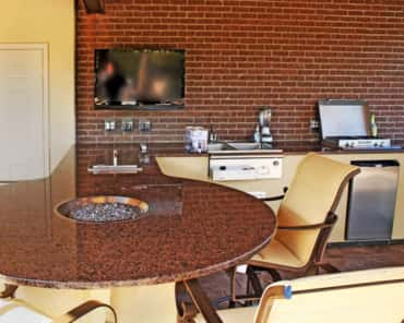 Granite is King- Granite has gradually become the most popular type of countertop for outdoor kitchens.